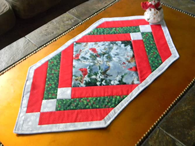 Christmas Table Runner Quilted.Amazon Com Cardinals In The Snow Quilted Christmas Table