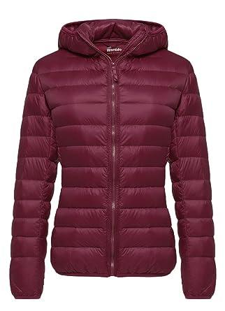 4c2b2adbb Wantdo Women's Hooded Packable Ultra Light Weight Short Down Jacket Outdoor  Coat Wine Red Small