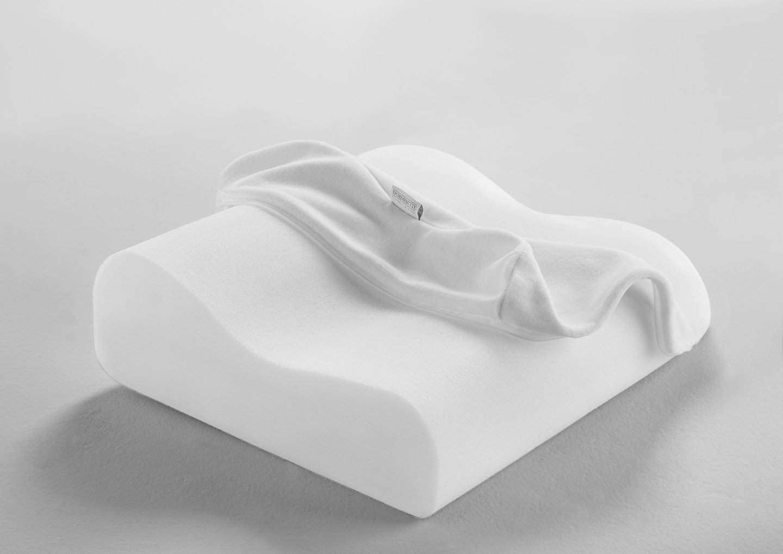 Dormisette Q495 waschbares viscoelastisches Reisekissen, atmungsaktiv, 30.5 x 32 x 8.5 – 11 cm, weiß