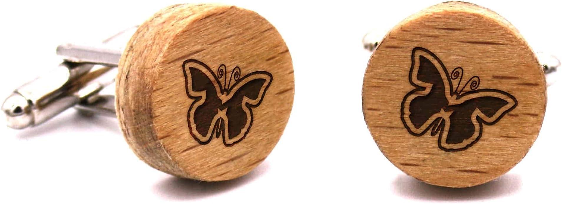 Gemelos de madera Breeze Butterfly. Colección de moda hombre: originales de haya para camisa, hechos a mano en España. Línea boda y eventos. Diseño con grabado de Primavera. Regalo original y elegante: