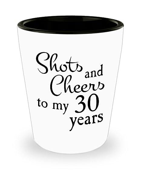 Amazon.com: Cumpleaños Aniversario Cheers 30 años Chupito ...