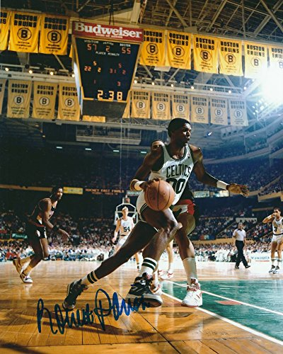 - Autographed Robert Parish 8x10 Boston Celtics Photo