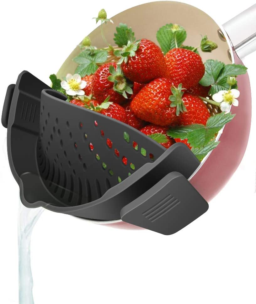 YEVIOR Clip on Strainer for Pots Pan Pasta Strainer, Silicone Food Strainer Hands-Free Pan Strainer, Clip-on Kitchen Food Strainer for Spaghetti, Pasta, Ground Beef Fits All Bowls and Pots - Black