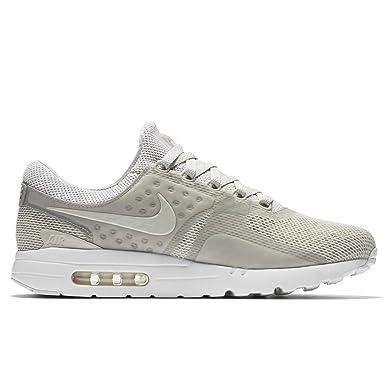 online store 17a40 8c4e8 Amazon.com: Men's Nike Air Max Zero BR Shoe: Clothing