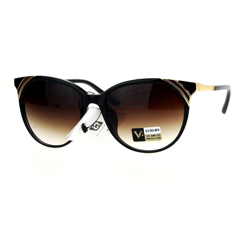 5c8ed7e2a5 Amazon.com  SA106 Womens Cat Eye Horn Rim Luxury Designer Fashion Sunglasses  Black Smoke  Clothing