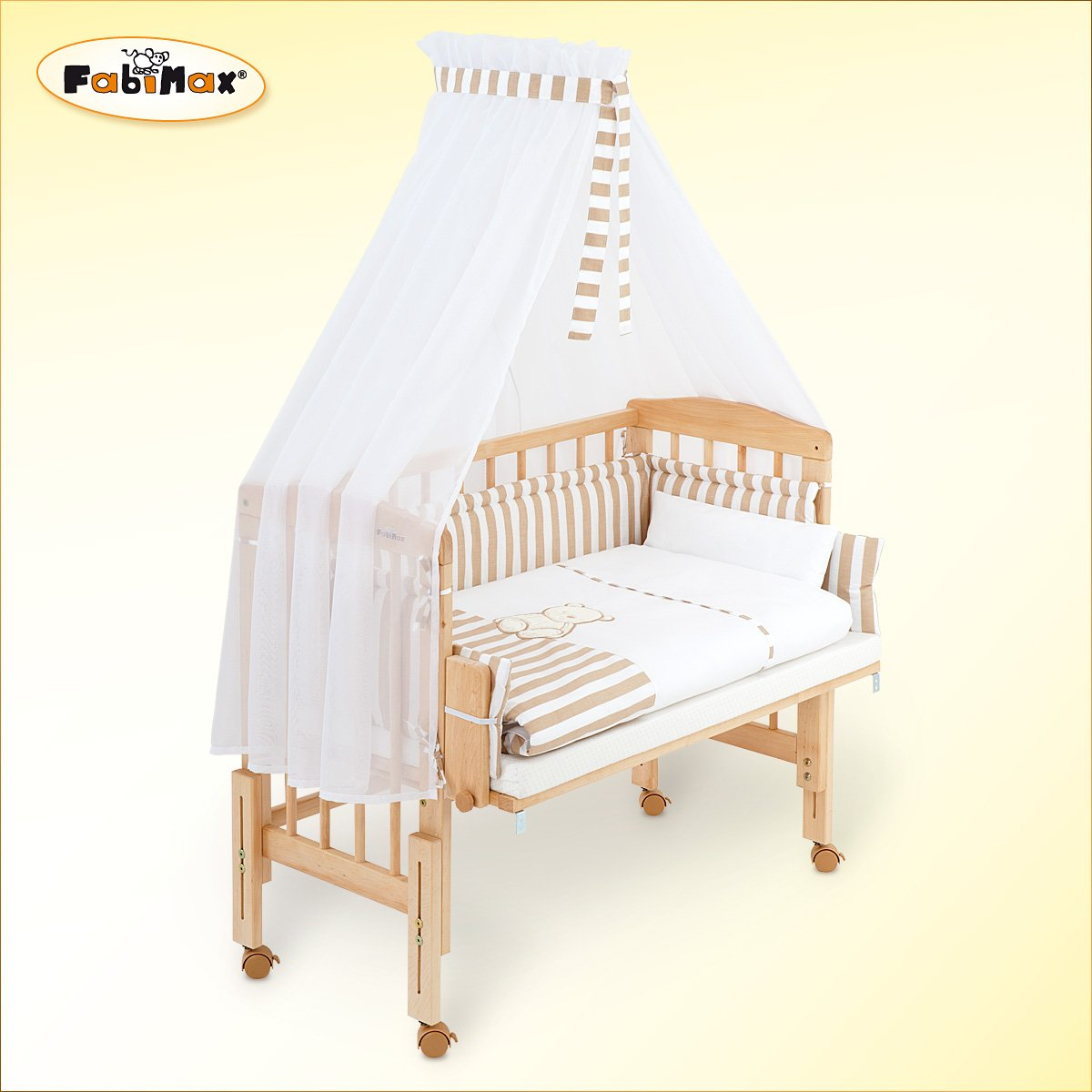 Cuna lateral FabiMax Pro con ropa de cama completa en beige y colchón Comfort product image