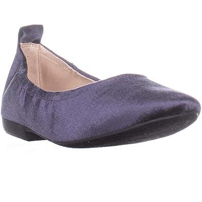 7c964c09a20 Nine West Womens Garnham Round Toe Casual Slide Sandals