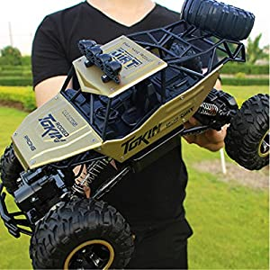 LightInTheBox RC Car Rock Crawlers 4x4 Driving Car 4 Channel 2.4G On-Road / Rock Climbing Car / Off Road Car 1:12 Brushless Electric 12 KM/H Flashlight / Waterproof / Shockproof (Gold)