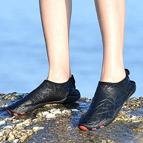 VILOCY Unisex Barefoot Aqua Water Shoes Sports Swimming Pool Skin Socks Quick Drying Beach Surf Sneaker for Men Women Black dEr7r