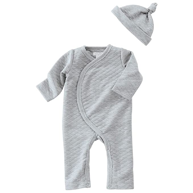 9f5afbba0 Amazon.com  GRAY QUILTED ONE-PIECE   HAT SET  Clothing