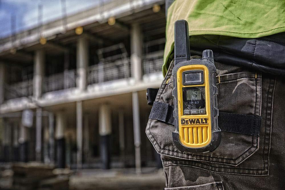 libre de licencia PMR Radio con un alcance de hasta 10 pisos//8km DeWalt DXPMR300 Walkie Talkie profesional de alta resistencia Negro y Amarillo
