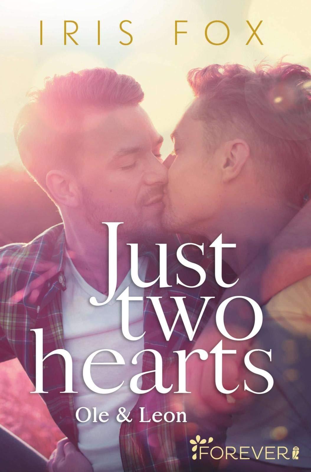 http://juliassammelsurium.blogspot.com/2020/05/rezension-just-two-hearts-iris-fox.html