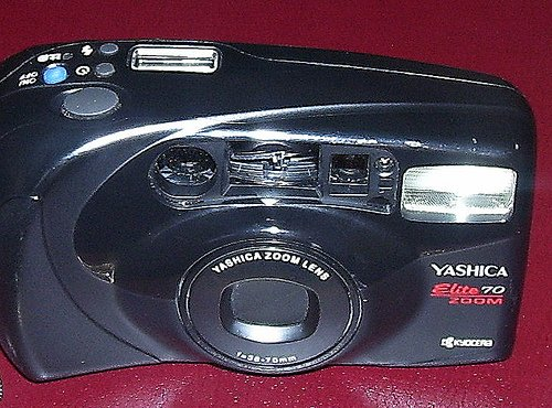 Yashica Elite 70 Zoom 35mm camera by -