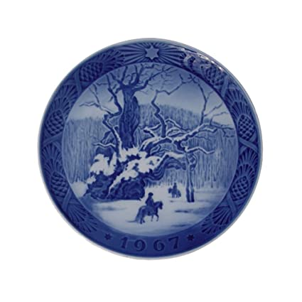 Royal Copenhagen Christmas Plates.Royal Copenhagen 1967 Porcelin Christmas Plate The Royal Oak