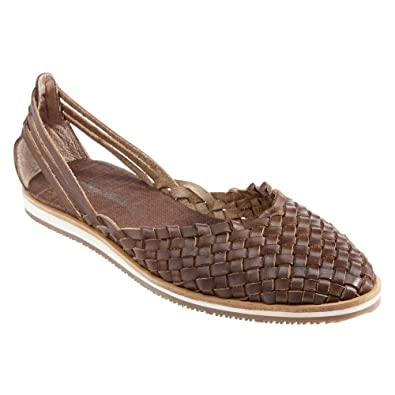 Amazon.com | Tommy Bahama Women's Frinna Brown 5.5 M | Loafers & Slip-Ons
