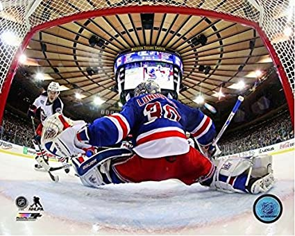 Amazon Com Henrik Lundqvist New York Rangers Nhl Action Photo