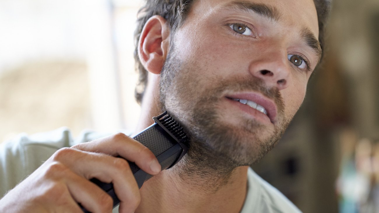 Philips Norelco Beard Trimmer BT3210/41 - cordless grooming,  rechargable, adjustable length, beard, stubble, and mustache by Philips Norelco (Image #6)