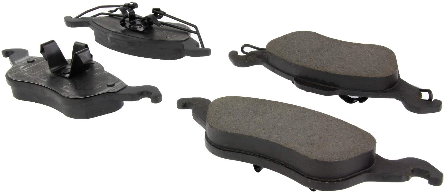 StopTech 305.08160 Street Select Brake Pads with Hardware