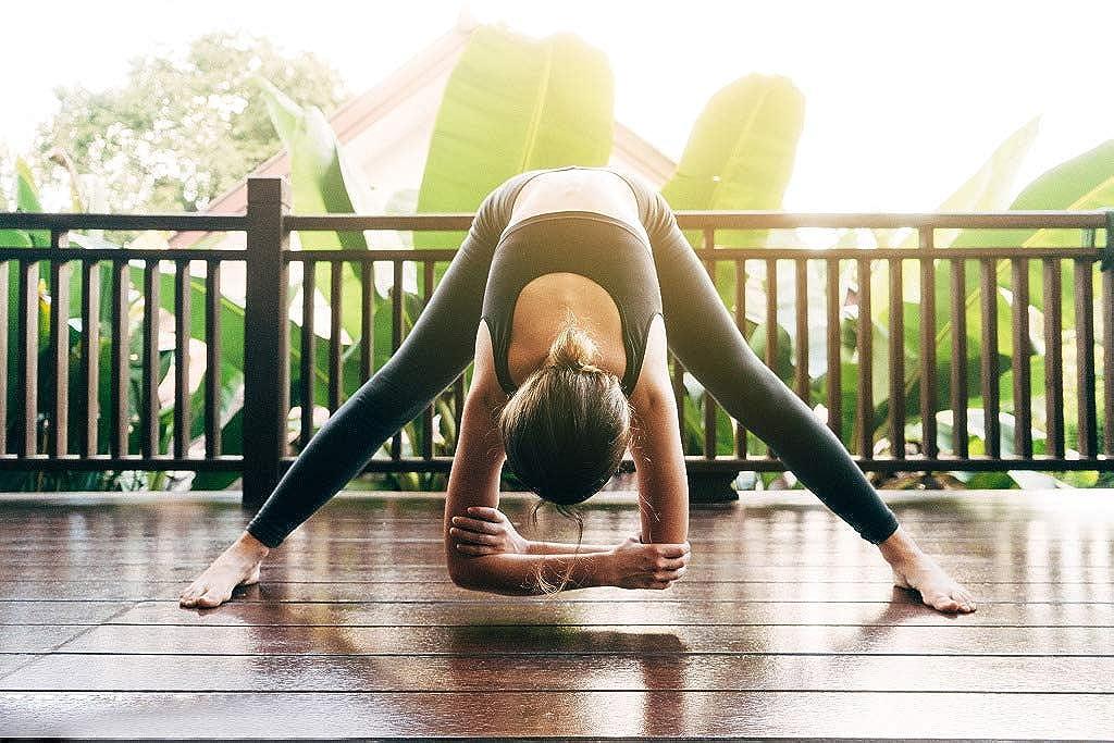 Colorful World Women Athleisure Leggings Yoga Pants Printed High Waist Power Flex Capris Workout Leggings for Fitness Running