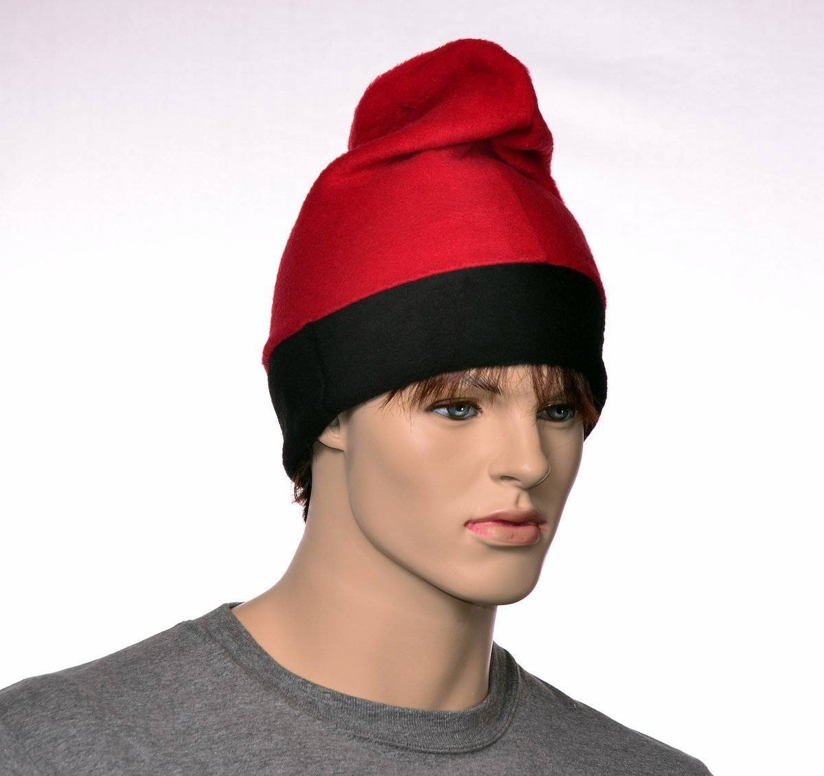 Barretina Cap in Red and Black Fleece Beanie Unisex Hat