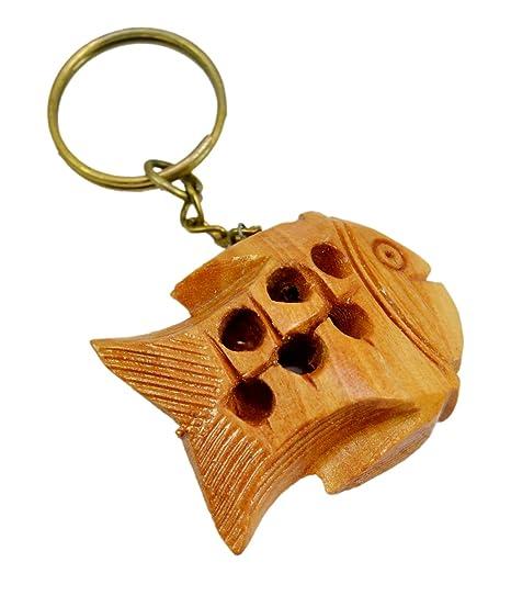 Amazon.com: Una mano de madera tallada peces llavero ...