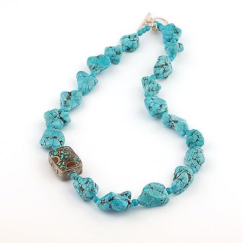 d1c2c91c5b4a Collar Turquesa en forma de nuggets y abalorio antiguo con coral y turquesa  con cierre de