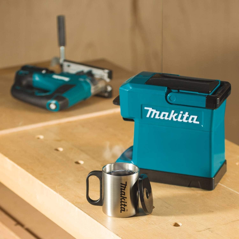 Akku Kaffeemaschine auf der Baustelle