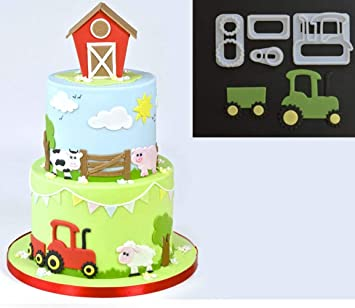 Amazon De 4 Stuck Set Kleinen Traktor Ausstecher Kunststoff Fondant