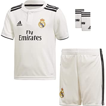 f90d47738 adidas Children s Real Madrid Home Mini Kit  Amazon.co.uk  Sports ...