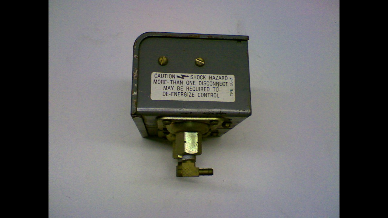 Details about  /Johnson Service Co Duplex Pressure Electric Switch P-7222 Used