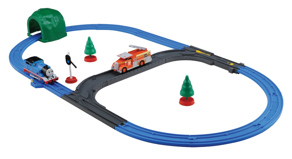 Plarail Thomas: Fire-Engine Flynn & Thomas Set (Model Train) (japan import)