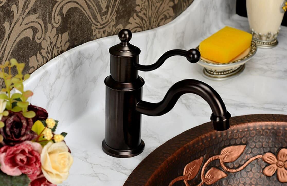Decorry European Style Faucet Antique Single Single Hole Antique Basin, American Faucet Hot and Cold All Copper Ceramic Disc Spool Wire Drawing