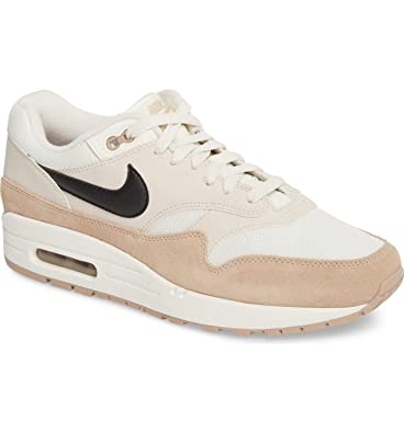 cheap for discount 9dd41 18da2 Amazon.com   NIKE Air Max 1 Retro   Shoes