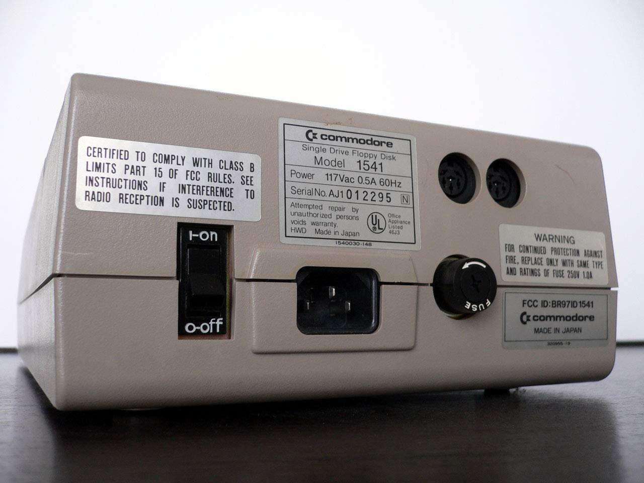 Amazon.com: Commodore 1541 Disk Drive (1541C (Newer C Model Grey)):  Computers & Accessories