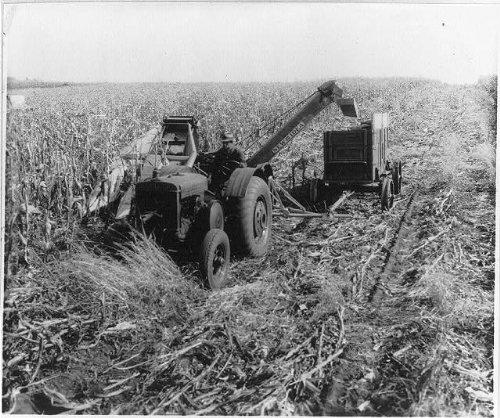Ames Wagon - Photo: Corn Picking Machine,Ames,Iowa,IA,Wagon Tognue,1933
