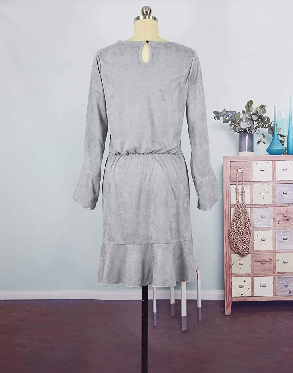 Mommy and Me Scoop Neck Bell Sleeve Ruffle Dress Family Matching Velvet One Piece Fall Winter Dress