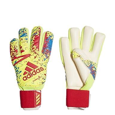 6a1da666e adidas Classic Pro Goalkeeper Gloves: Amazon.co.uk: Clothing