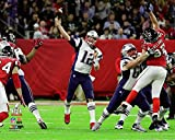 New England Patriots Tom Brady During The Super Bowl LI. 8x10 Photo Picture. (passing)