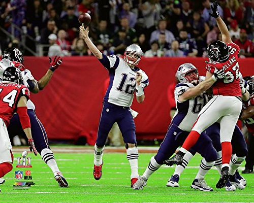 Tom Brady Pictures (New England Patriots Tom Brady During The Super Bowl LI. 8x10 Photo Picture. (passing))