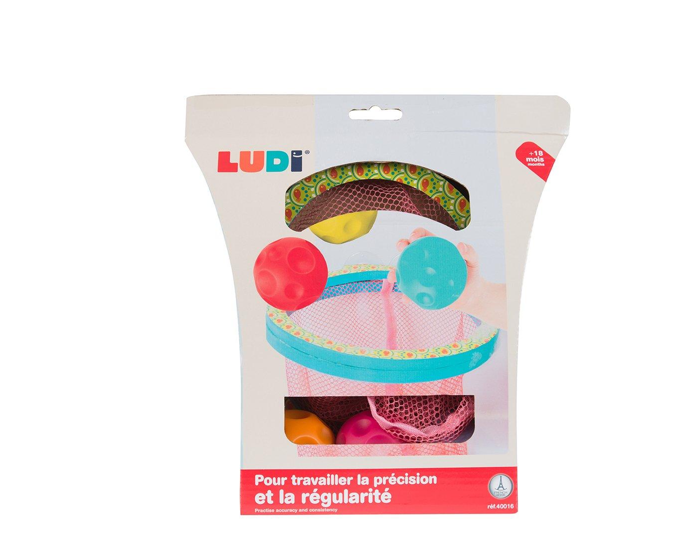 Panier dadresse pour jouer au basket /à lheure du bain 3 balles en plastique incluses D/éveloppe la dext/érit/é D/ès 18 mois Fixation ventouse 40016 Permet le rangement des jouets de bain LUDI