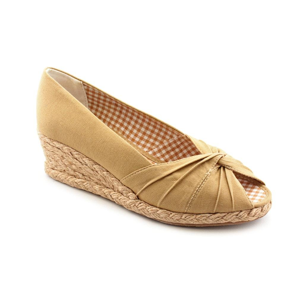 Soft Style Women's Coral Reef (9 M in Champagne Canvas)