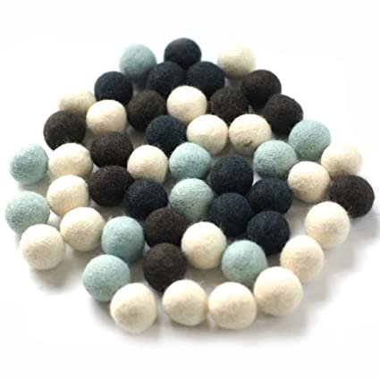 885d232c35 Colección llena de color de 50 bolas de fieltro  quot Invierno Mix quot  de  2