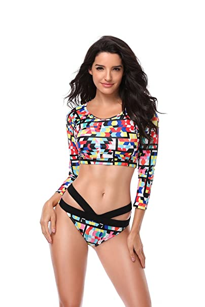 6714d2eba9107 Kemrrey Women's Rash Guard Long Sleeve Crop Top Set with Shorts Surfing  Swimsuits 2 Piece: Amazon.ca: Clothing & Accessories