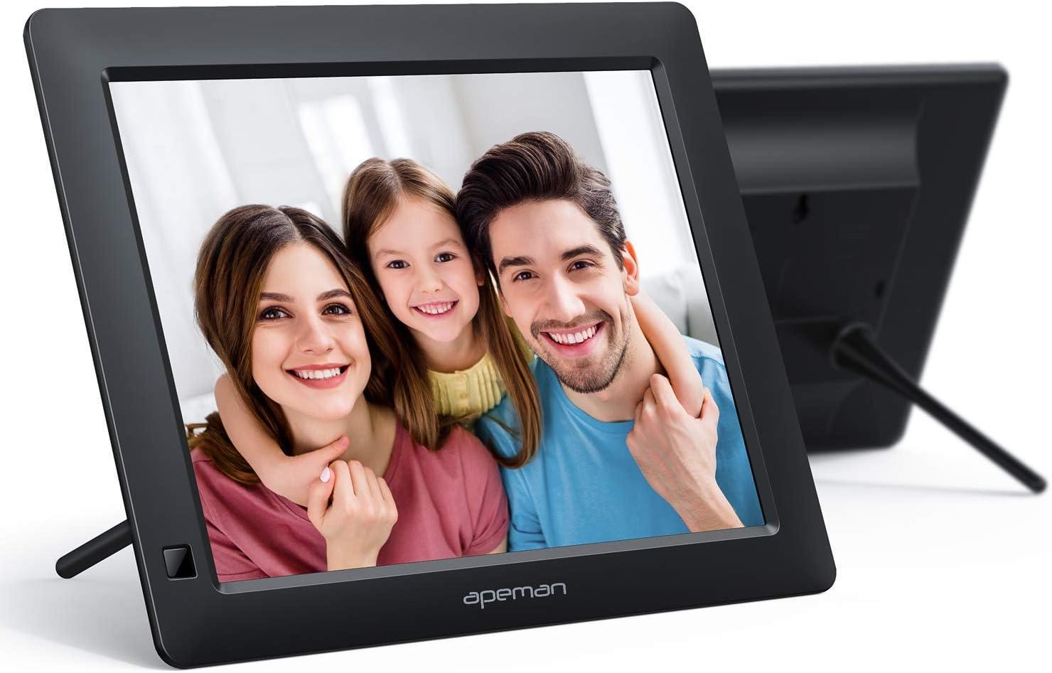 APEMAN Cadre Photo Numérique 8 Pouces avec écran HD IPS 1280x800, Supportez Carte SD, clé USB, Photos, Vidéos, Calendrier, Réveil, Horloge, Livre électronique, Musique de Fond, Cadeaux Exquis (Noir)