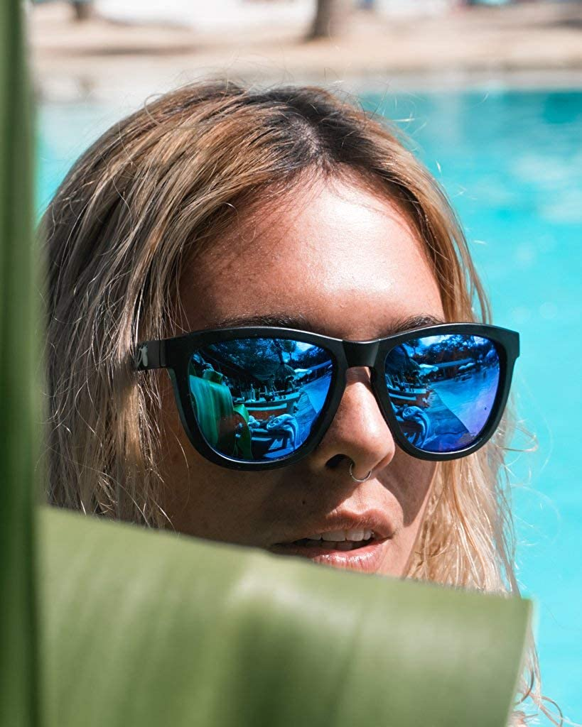 517716c6d0e Amazon.com  Detour Sunglasses Essentials Black Coral with Smoke Lens UV400  Polarized Sunglasses w Pouch for Men and Women  Clothing