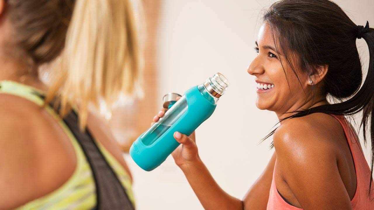 20 oz Contigo Purity Glass Water Bottle Smoke with Silicone Tether 72907