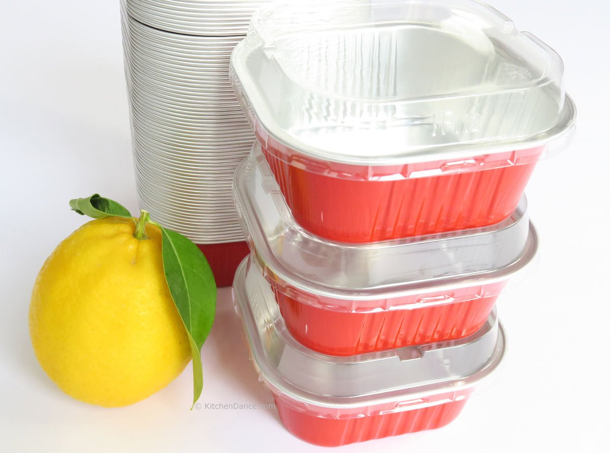 KitchenDance Disposable Aluminum 4'' x 4'' Square Dessert Pans W/ Lids - #A-24P (1000, Red) by KitchenDance (Image #3)