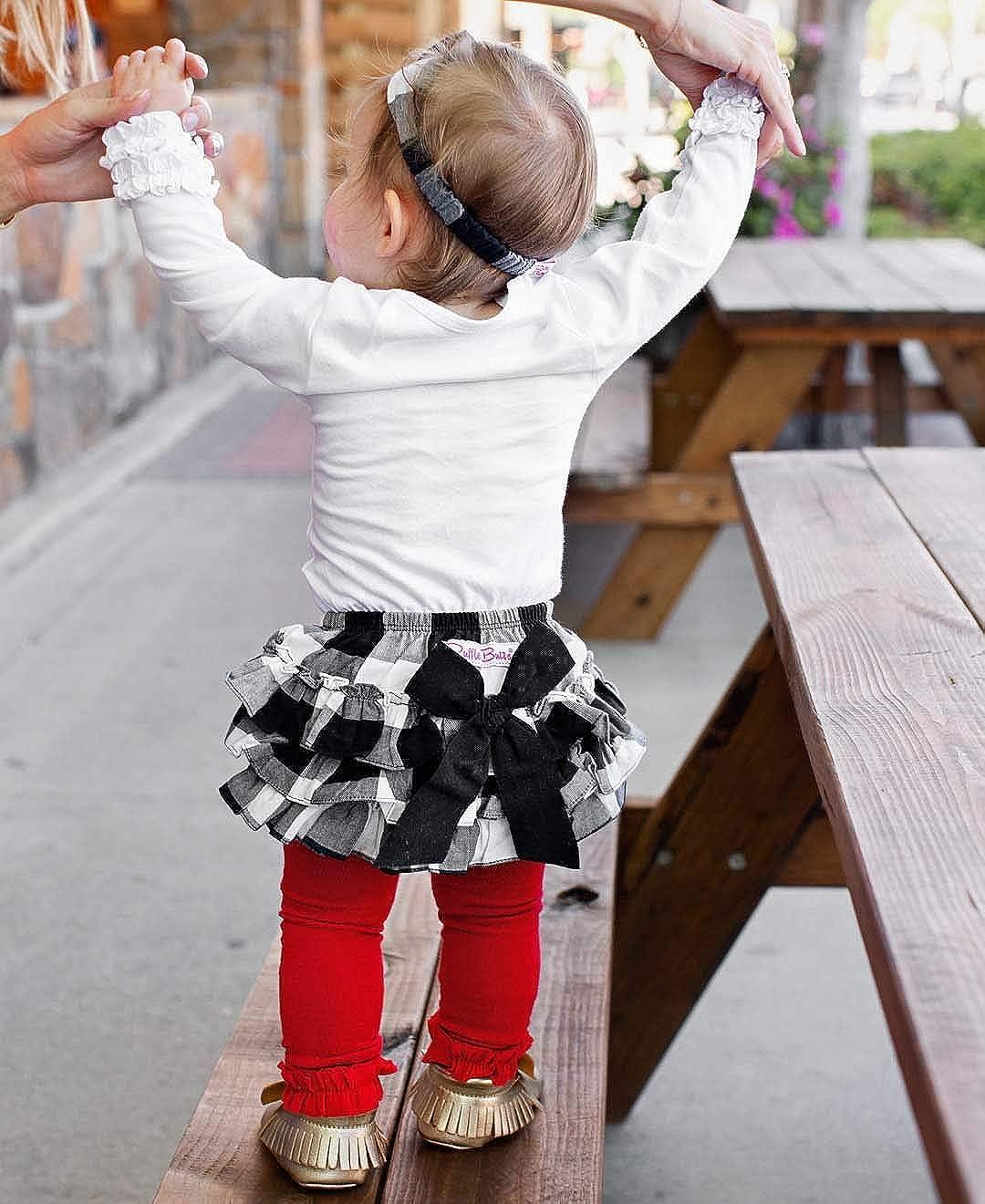 RuffleButts Little Girls Buffalo Plaid Ruffled Bloomer w//Bow