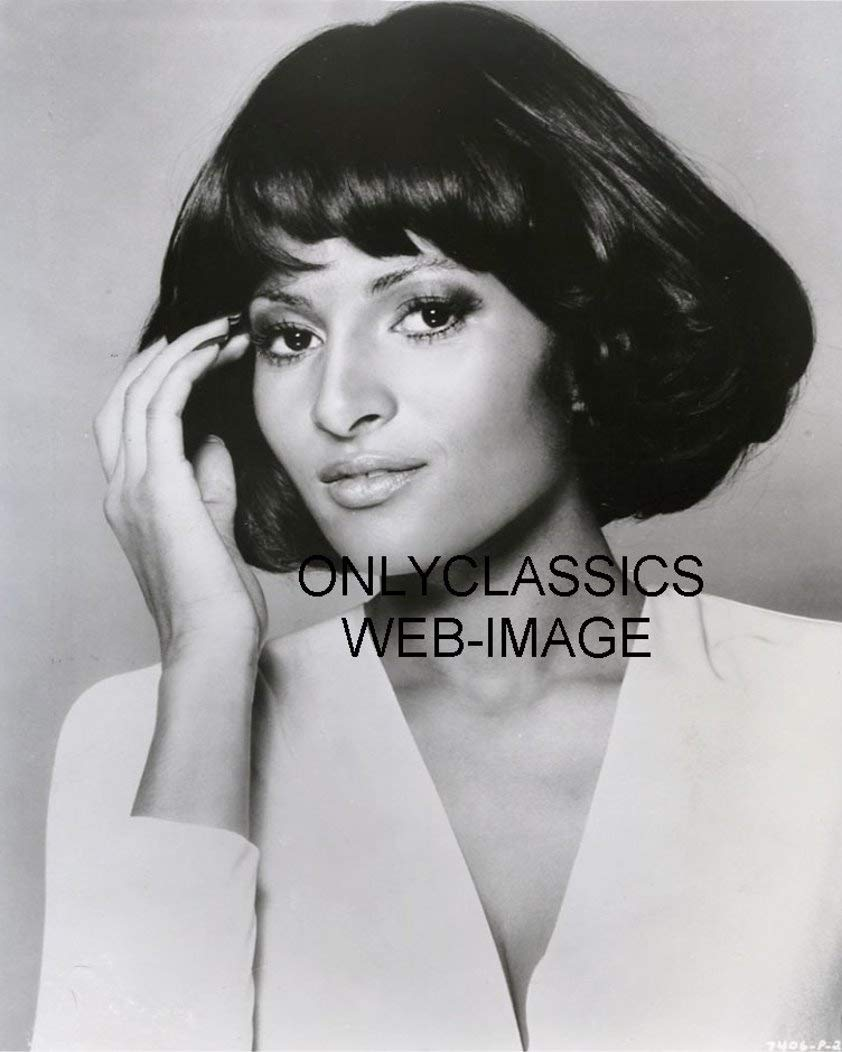 Amazon.com: OnlyClassics 1974 Sexy Beauty Actress PAM Grier Foxy Brown  Movie Glamour Portrait 8X10 Photo Busty Pinup Cheesecake: Posters & Prints