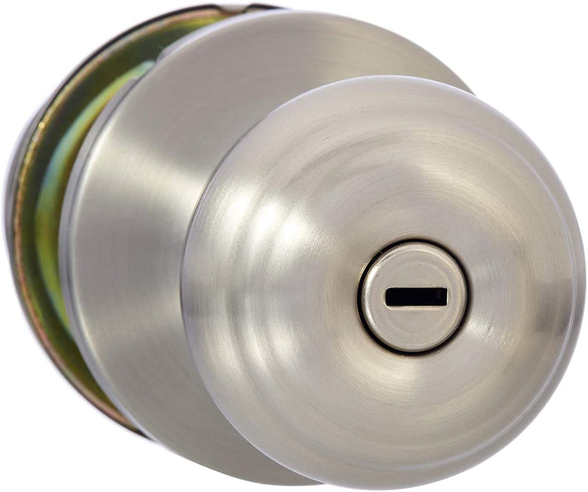 AmazonBasics Bedroom/Bathroom Door Knob With Lock, Classic, Satin Nickel
